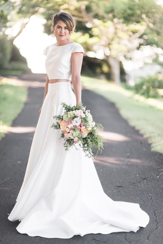 Modern classic two piece Karen Willis Holmes wedding dress | Kaitlin Maree Photography | See more: http://theweddingplaybook.com/wedding-playbook-magazine-volume-10/