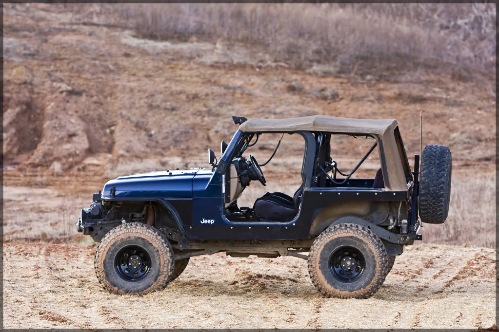 FS 2000 Jeep Wrangler Sport Lifted/Locked & Well Built