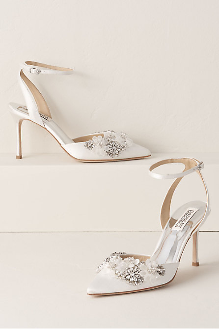 Pin By Regina Pfaefflin On Wedding Accessories Decor Bridal Shoes Wedding Shoes Designer Wedding Shoes