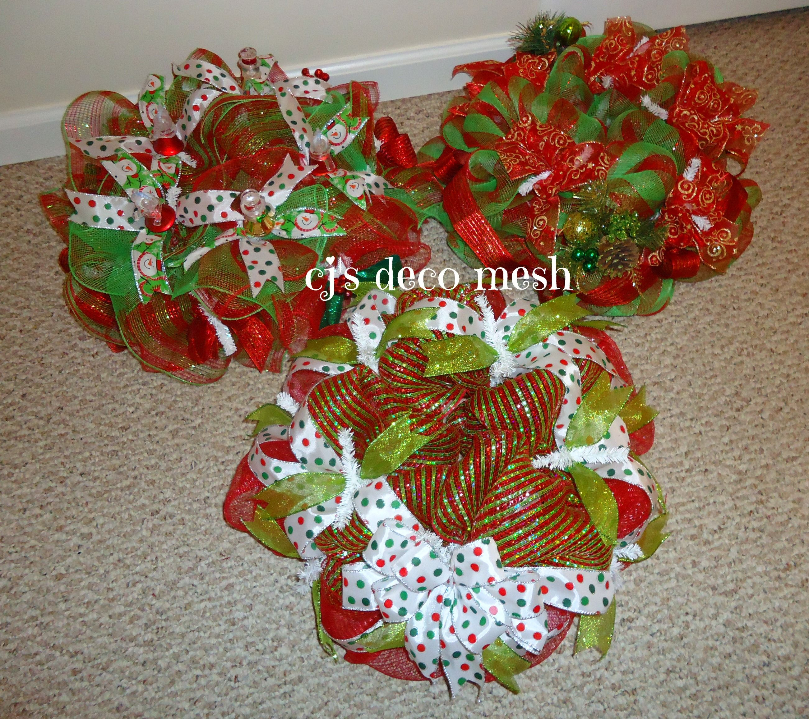 Deco mesh centerpieces all wreaths can be costumed order