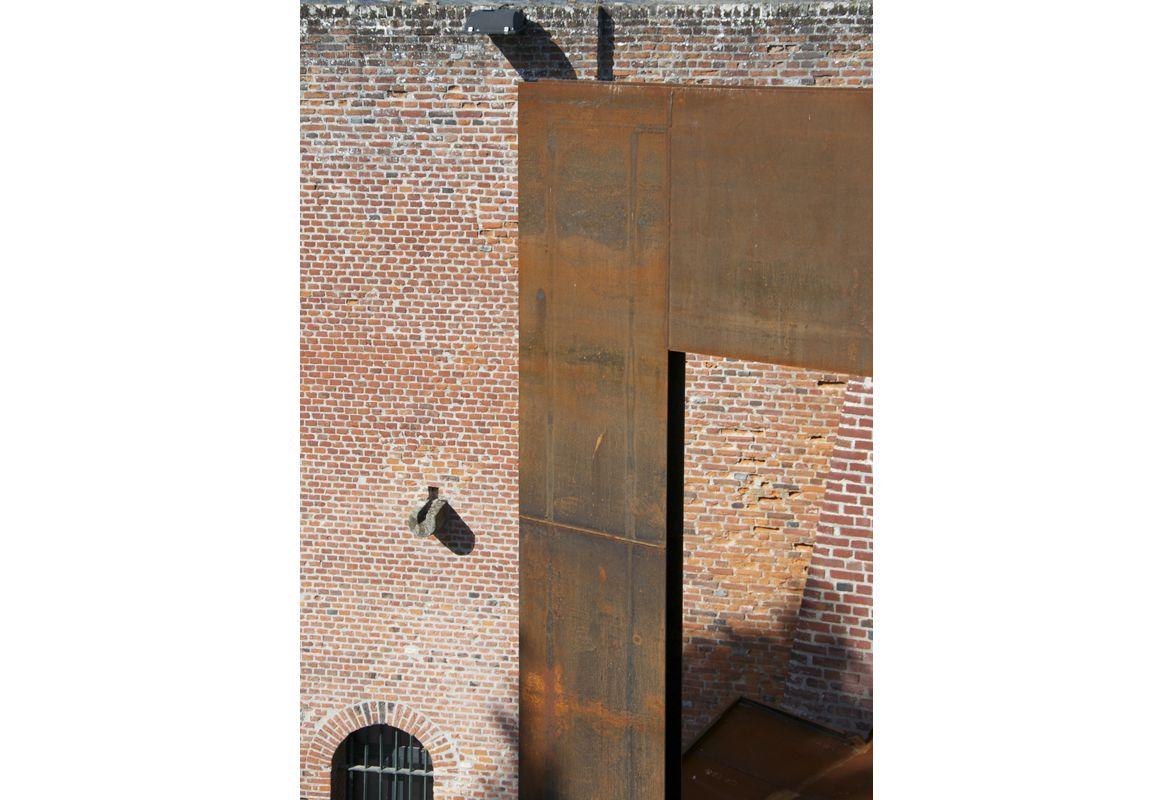 ENTRÉE DU CHÂTEAU DE PÉRRONNE : BEAUDOUIN ARCHITECTES