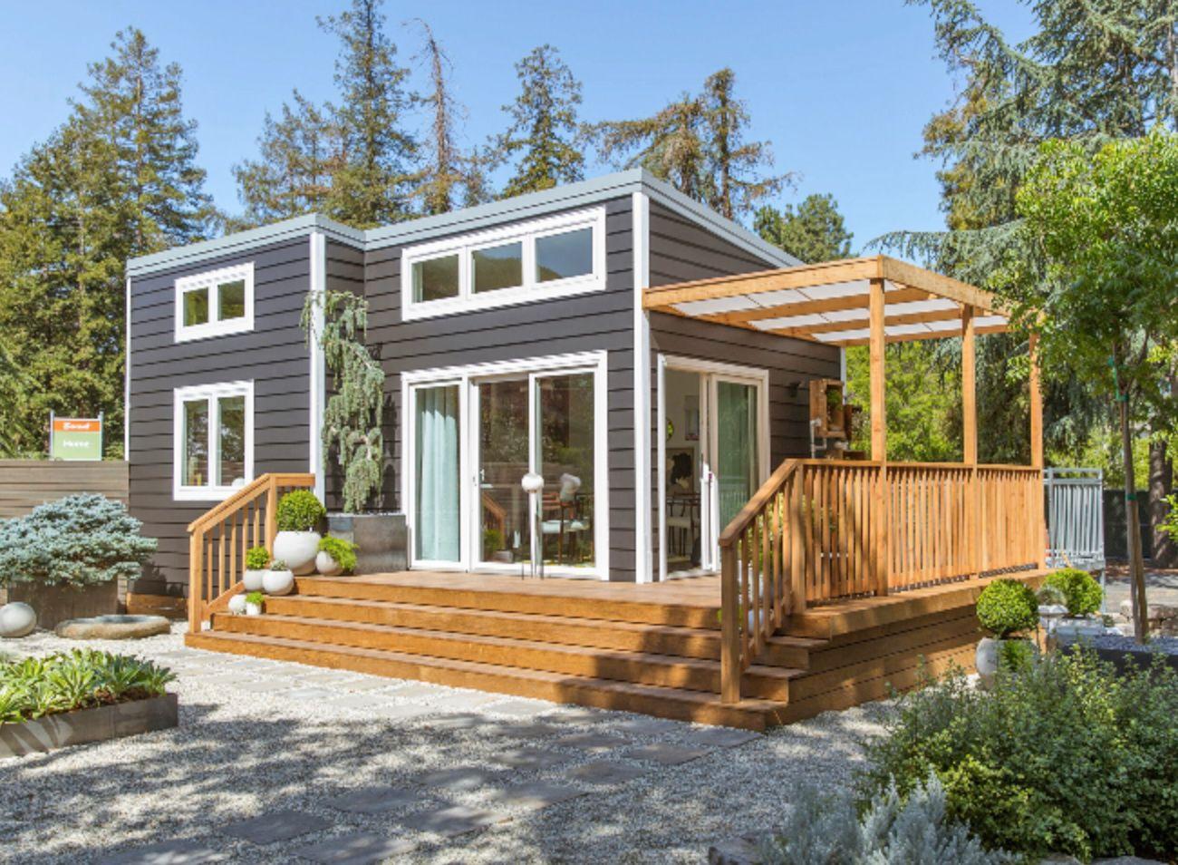 Sunset magazine 39 s charming cottage showcases inspiring for Sunset magazine house plans