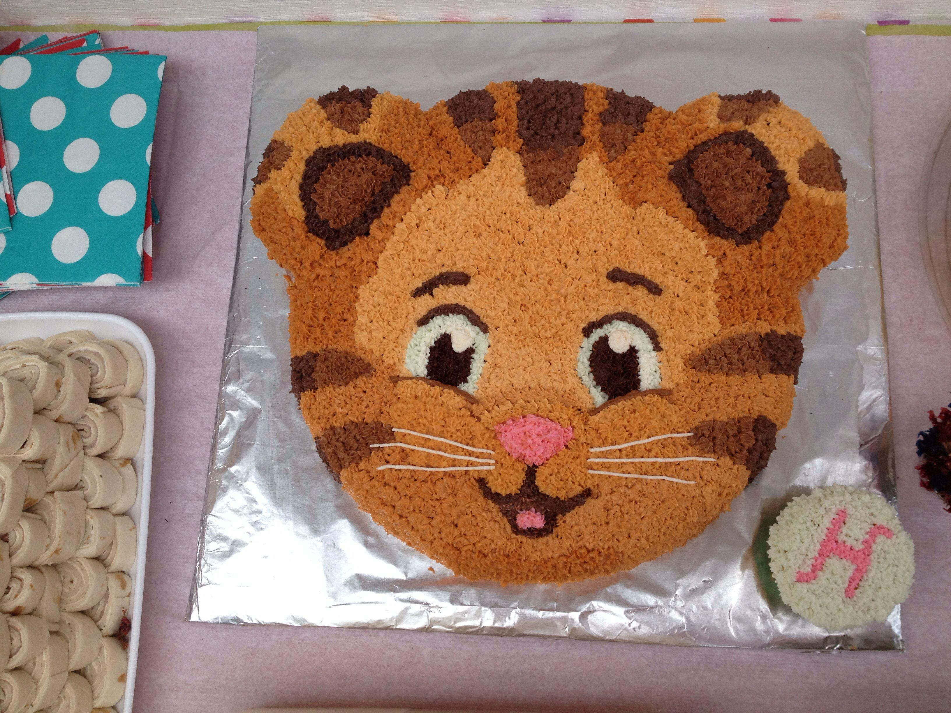1000 Ideas About Daniel Tiger Cake On Pinterest Daniel