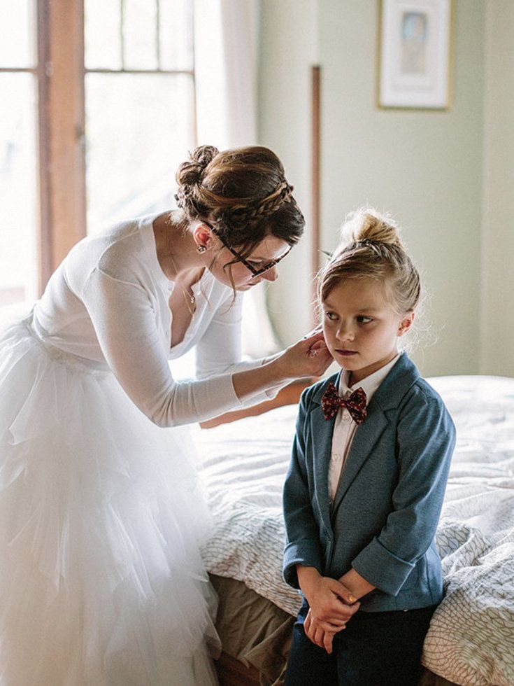 This 7 Year Old Was The Coolest Ring Bearer At Her Moms Wedding