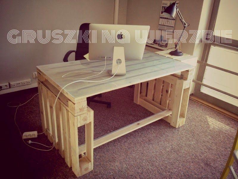 Oficina decoraci n y muebles con palets de madera for Escritorios de madera para oficina