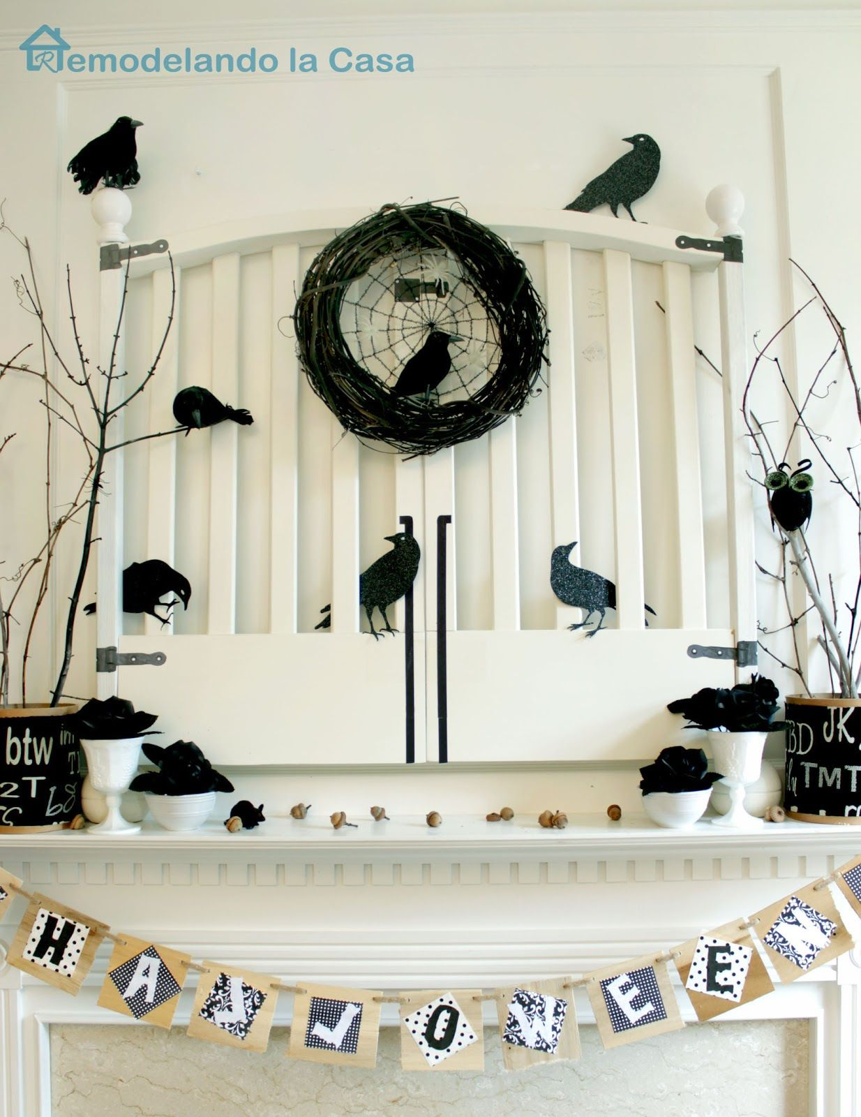 Great Ideas -- 20 Black & White Halloween Projects! | Black white ...