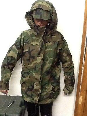 580e41a4bd885 US Army BDU Woodland ECWCS Camo Gore-Tex Parka cold weather Jacket Size MED  REG