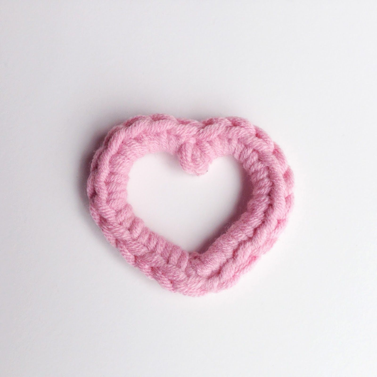 Louies loops dont you just love to crochet open heart with make your valentines decorations perfect with this quick and easy crocheted heart pattern thanks so xox bankloansurffo Images