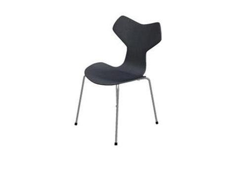Arne Jacobsen Stoel : Grand prix stol. ask sort lasur med årestruktur. design arne