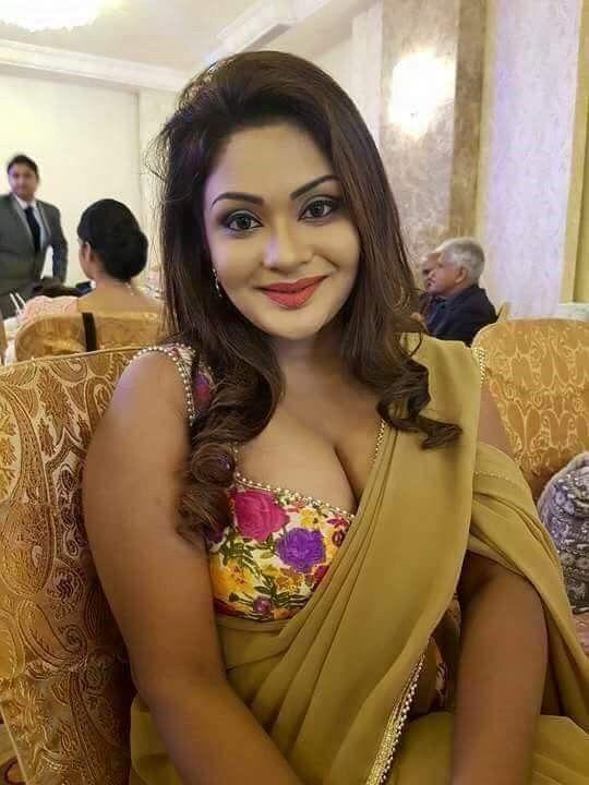 Pin on hot bhabhi