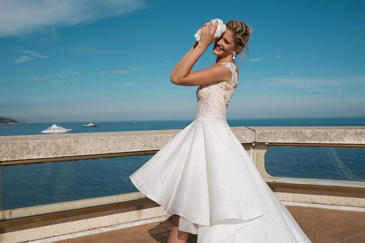 Capsleeve high and low wedding dress | fabmood.com #weddingdress #weddingdresses #bridalgown #weddinggown #weddinggowns #capsleeve