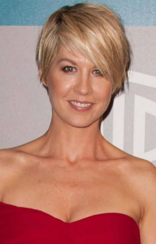 Hairstyles For Round Faces Jenna Elfman Haircuts And Short Hair