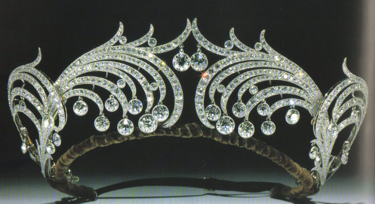 Henderskelfe wave tiara