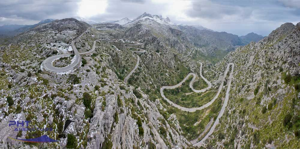 20 Roads Around The World That Will Give Anyone Motion Sickness  Motion sick...