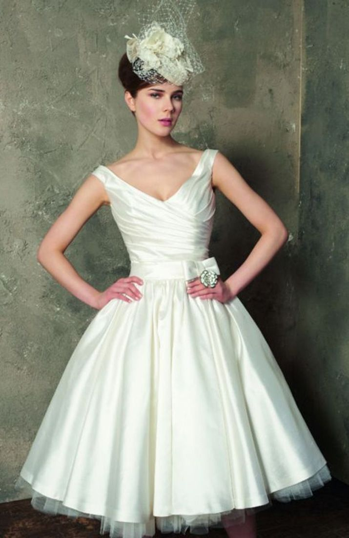Cute short wedding dresses  Dreaming with vintage on summer Getting married soon This is the