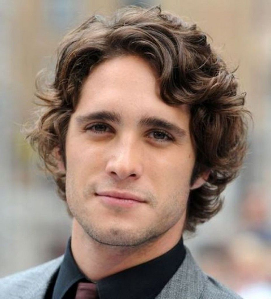 medium hairstyles for men with wavy hair | steal this look