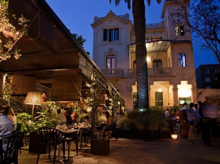 Terraza Ideal Para Las Cenas De Verano En Barcelona