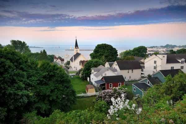 Best Wedding Destinations for a US Wedding and USA Weddings: Mackinac, Michigan