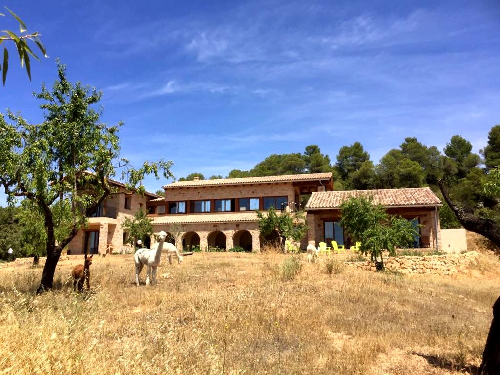 Información Sobre Mas Del Encanto En Lledó El Mas Del Encanto Ofrece Alojamiento Rural A 10 Minutos En Coche D Pozos De Agua Alojamiento Rural Paneles Solares