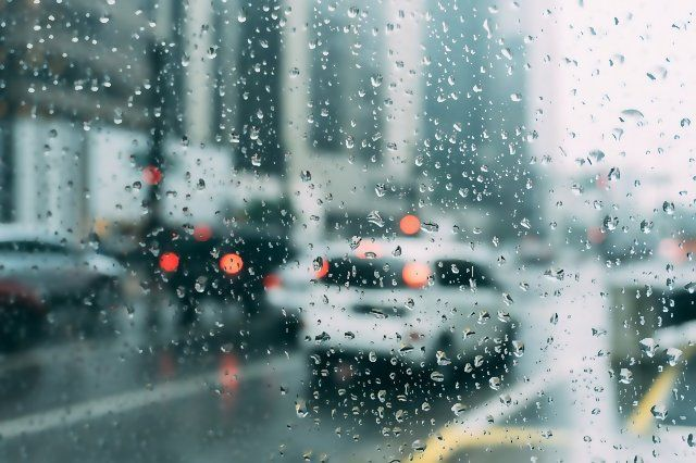 A Simple Kitty Litter Sock Trick Can Stop Your Car Windows From Fogging Up Ever Again Rain Window Rain Wallpapers Bokeh Art