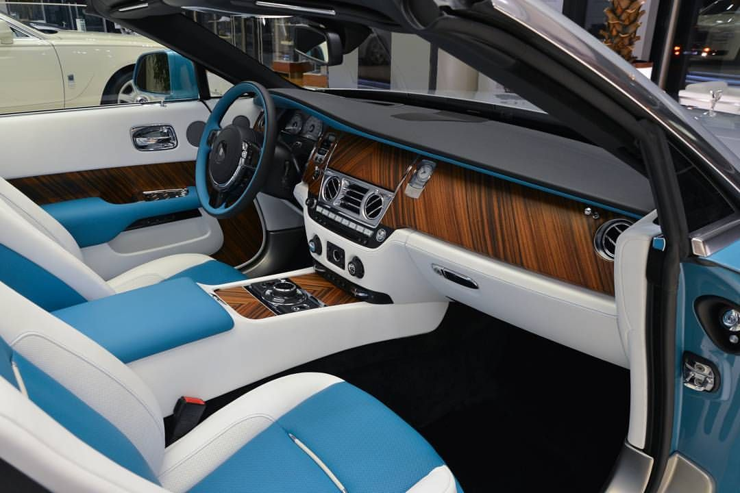 rolls royce dawn bespoke interior in arctic white with turchese contrast a dawn wraith. Black Bedroom Furniture Sets. Home Design Ideas