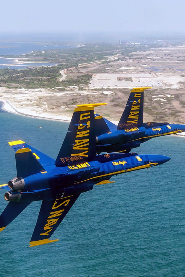 The US Navy Acrojet Team Blue Angles Air Show t.me