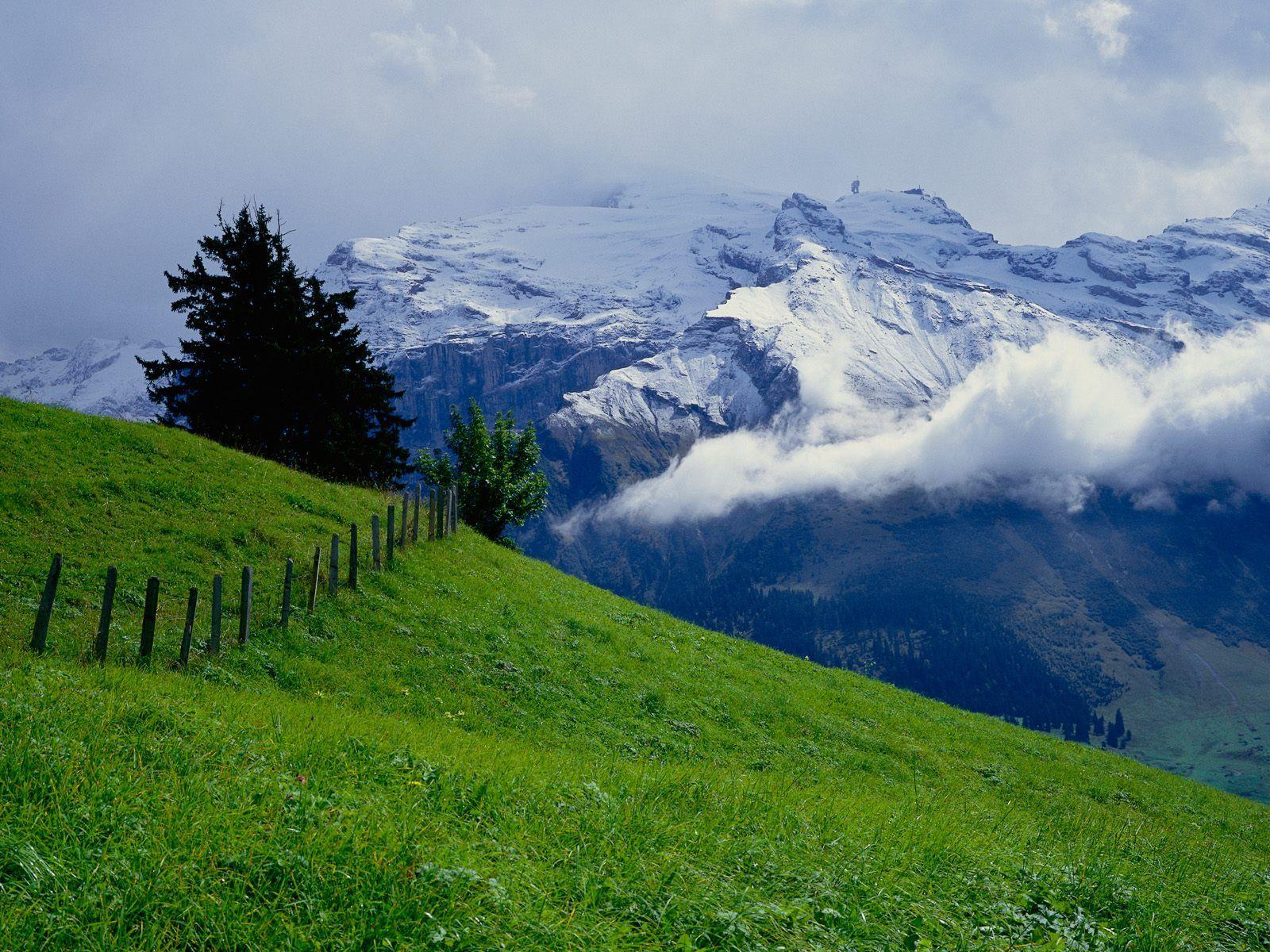 Mount Titlis Obwalden Switzerland Absolutely Breathtaking Switzerland Wallpaper Beautiful Landscapes Hd Nature Wallpapers