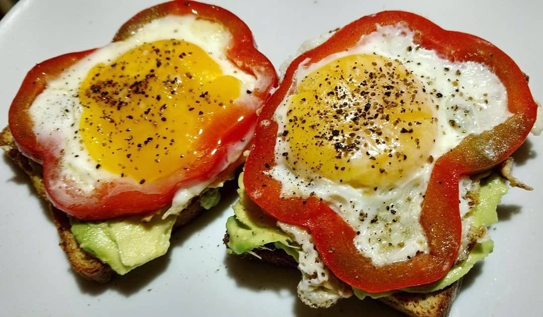 Oh yeah I love food. The best way to healthy is keeping it simple.  Amante de la comida. La mejor fo...