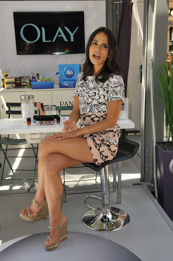 Jordana brewster sexy leg more