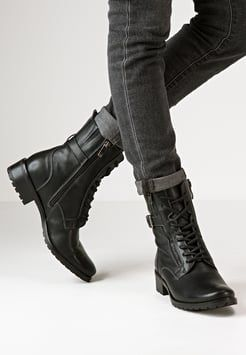 CAPRICE Heeled Lace up Boots | Schnürstiefel, Kniehohe