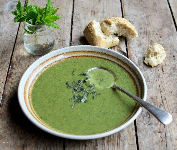 Green Goddess 50 Calorie Soup Recipe A Green Smoothie In A Soup Bowl Recipe Soup Recipes Recipes Nutribullet Recipes