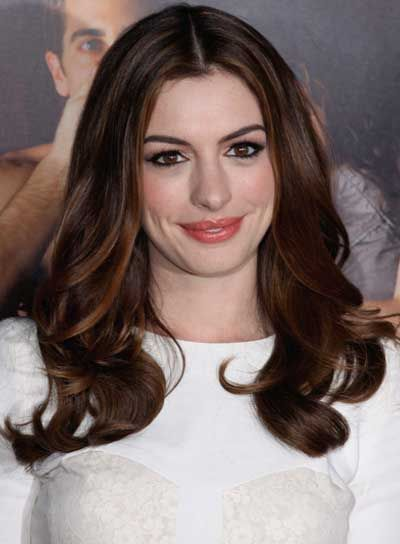 Google Image Result for http://images.beautyriot.com/photos/anne-hathaway-long-chic-brunette.jpg
