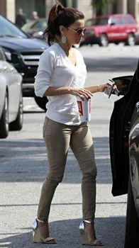 Eva Longoria is looking totally chic in her J Brands!
