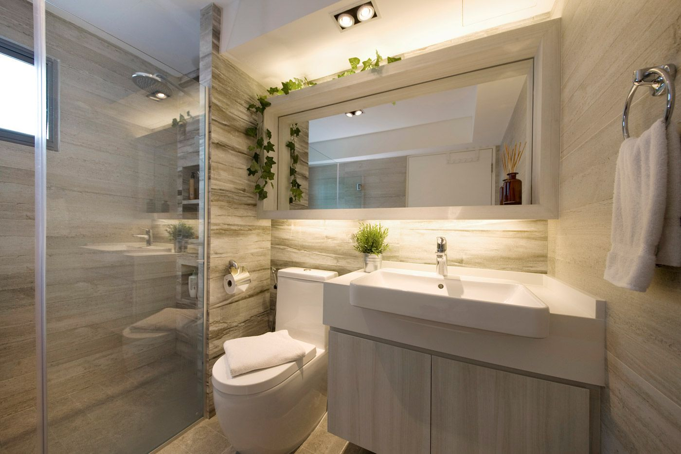 Small Bathroom Remodels Pictures Concept Captivating 2018