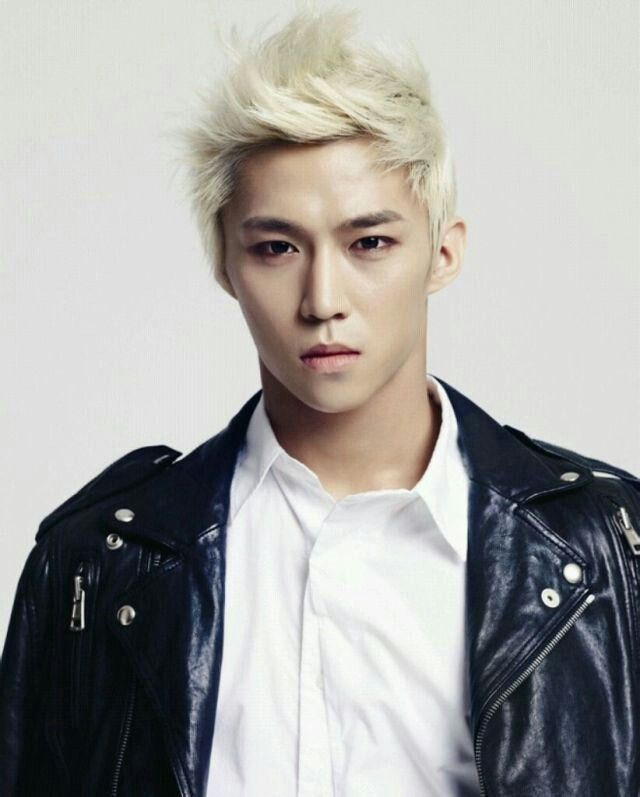 Blonde Asian Man : blonde, asian, Hyeong