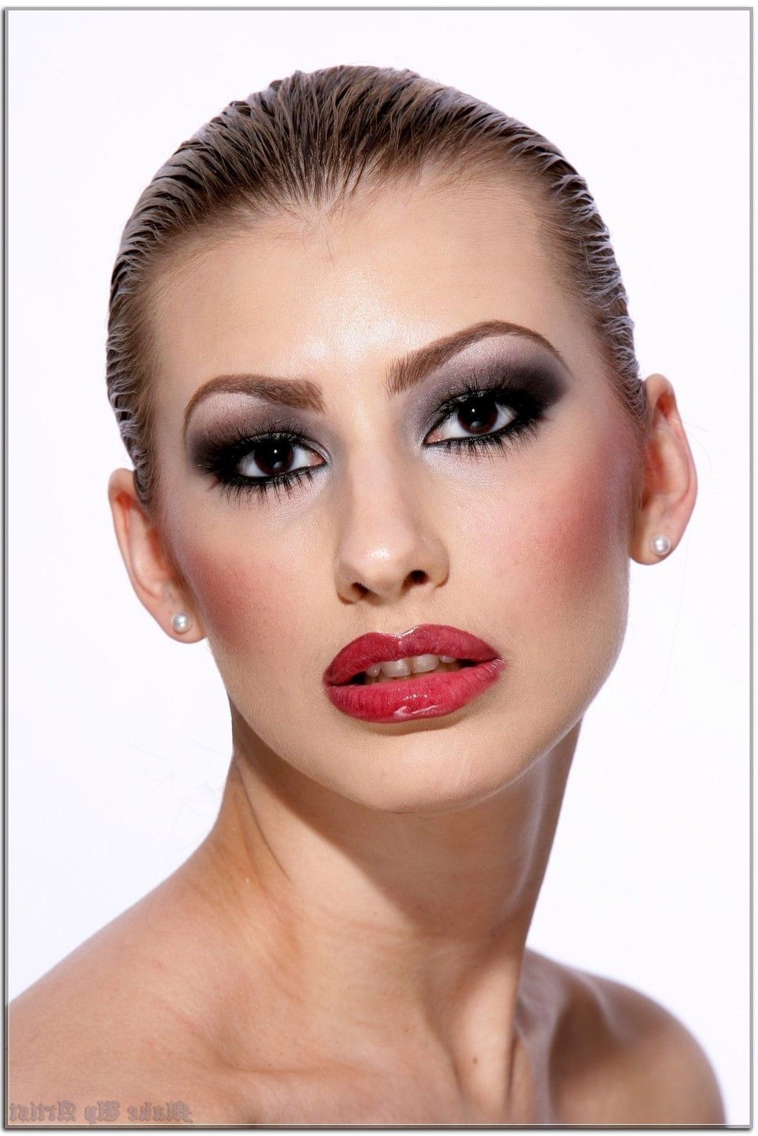 Make Up Artist The Right Way