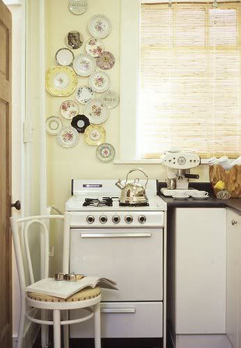 Beau Dishes   Love This Idea! Lots Of Antique Store Mismatched China! Antique  Plates,