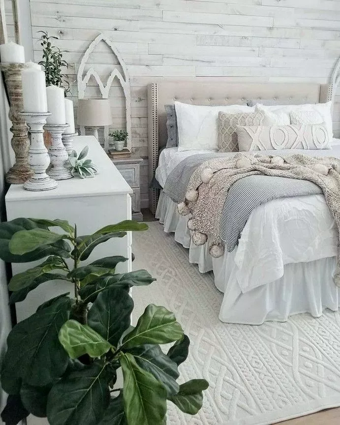 27+ Inexpensive Farmhouse Style Ideas For Bedroom Decorating #masterbedroom #bedroomdesign #bedroomideas ~ Gorgeous House #modernfarmhousebedroom