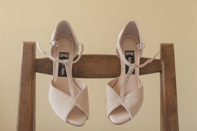 017edd37 blog-novias-beatriz-alvaro-vestidos-novia-a-medida-alta-costura-madrid. Ideales  zapatos de Keli& Salo