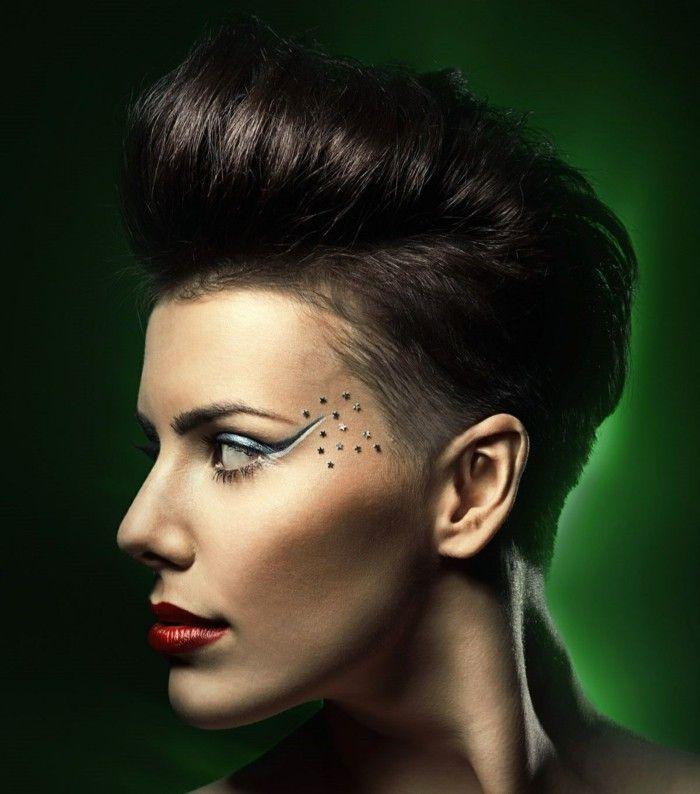 Rockabilly Hairstyle In Punk Style Geschoren Kapsels Kapsels Haar