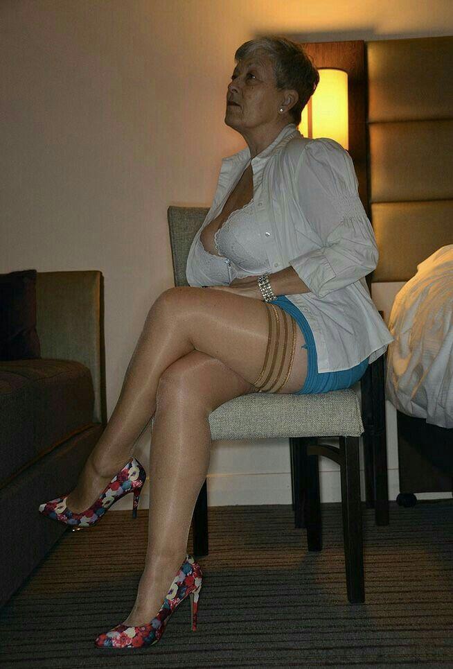 Reife Damen kennenlernen ! Dringend ! SMS | Piernas, Viejitos
