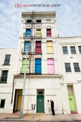 Love the colors! Do you have any creative locations to drag your photographer to on the big day or for an engagement session? {Image by a Photography: aanda-photography.com }