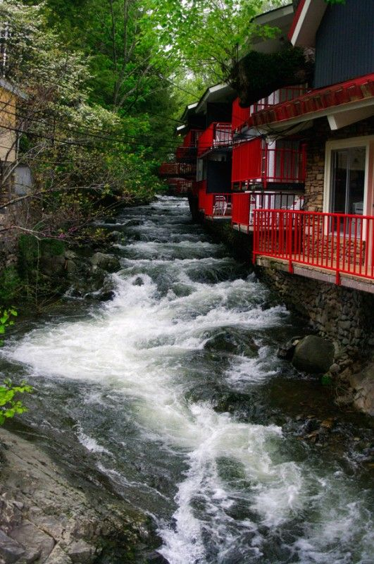 Zoder's Inn - Gatlinburg, Tennessee. A very popular and beautiful hotel to stay at in Gatlinburg.