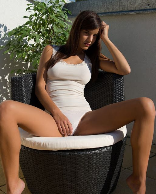 1057 Babe Of The Day