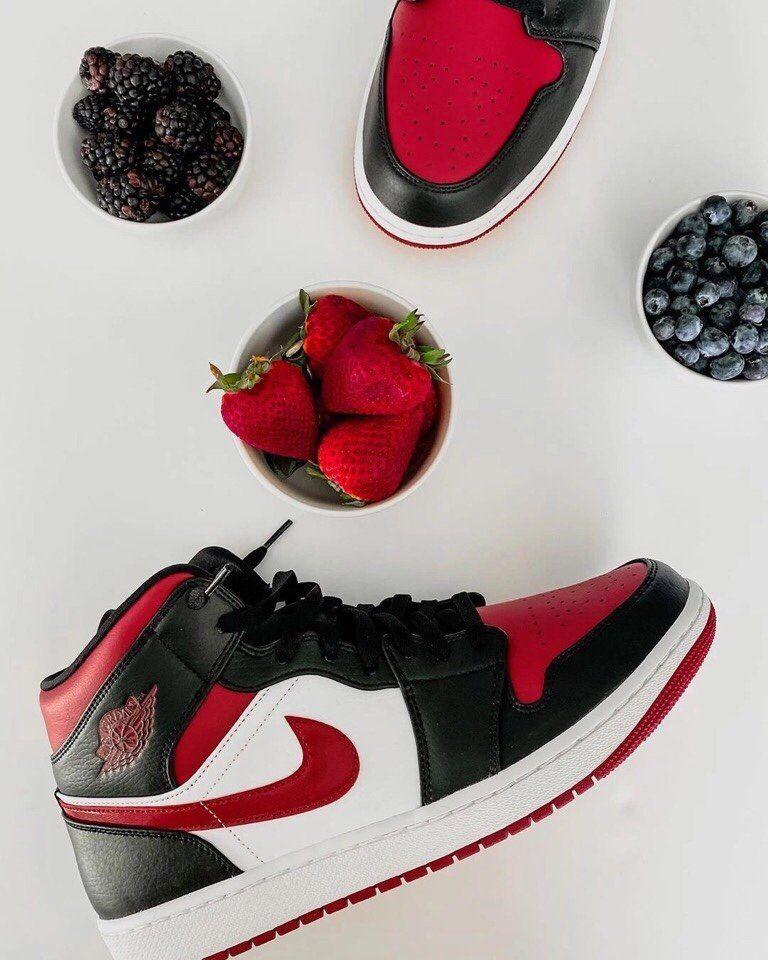 2020 Nike Air Jordan 1 Mid Bred Toe 554724 066 Basketball Shoes Aj1 Unisex Sneakers In 2020 Air Jordans Jordan 1 Mid Nike Air Jordan