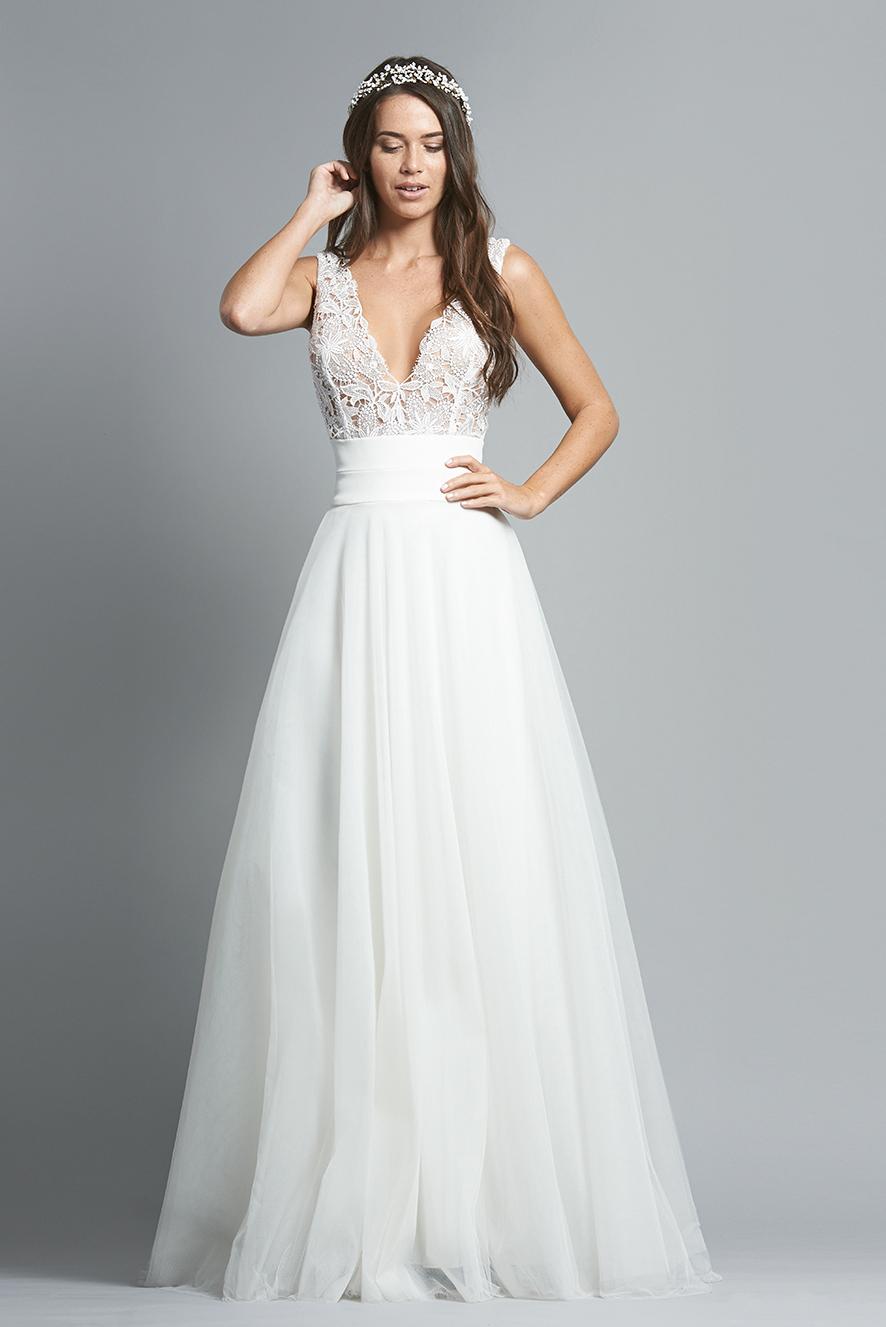 Conservative wedding dresses  Robe de mariée Grenade  fabiennealagama fabiennealagama