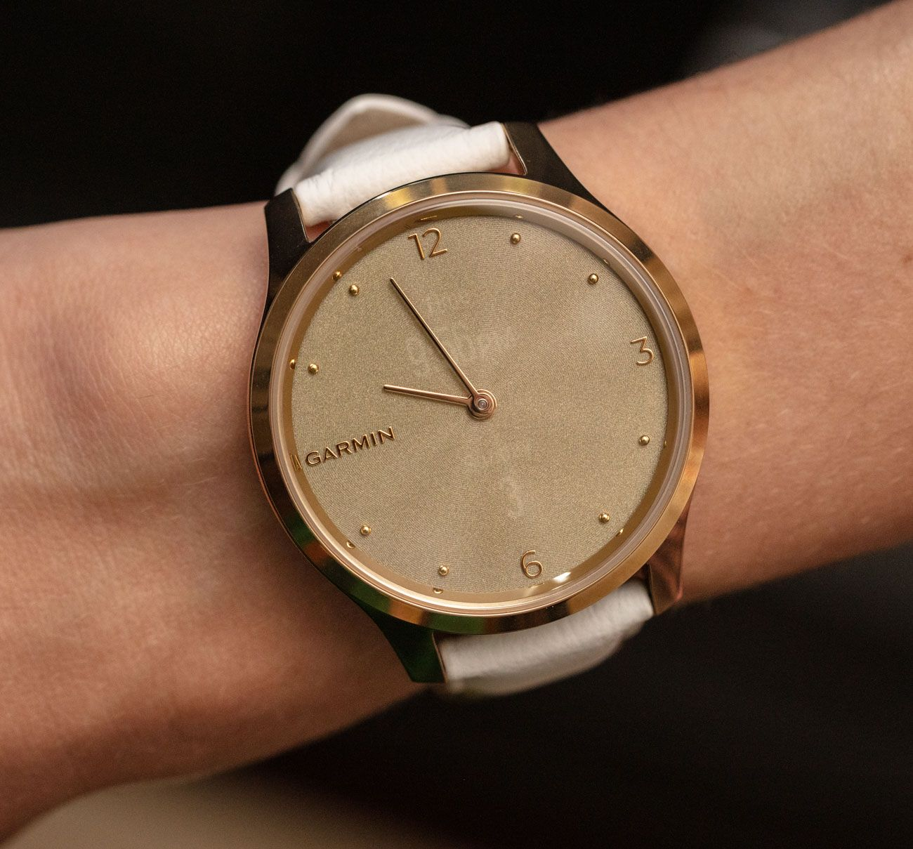 Garmin Vivomove Luxe Analog/Digital Dial Smartwatch Review Wrist Time Reviews