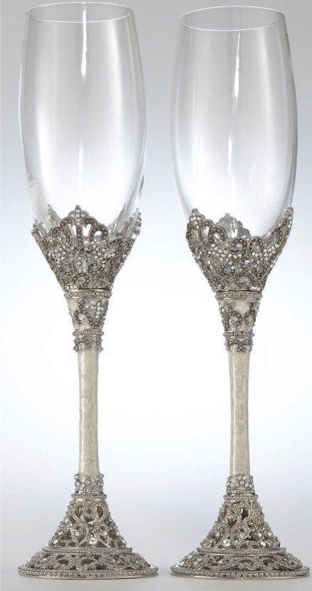The Detail On These Gorgeous Champagne Flutes Are Something To Really Treasure