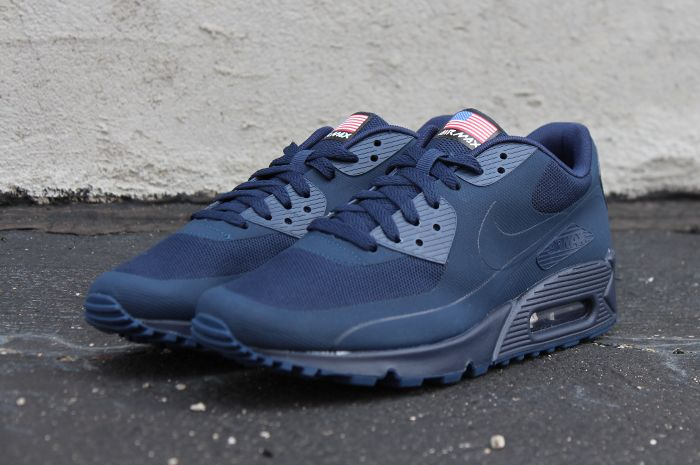 Nike  AirMax90  Hyperfuse Navy USA Independence Day Edition.  717b3b5f2482