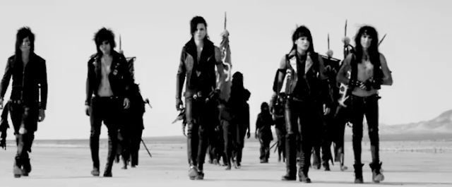 In the End was the first BVB song I ever heard and every time I hear it I get reminded of how much I love this band <3 <3 <3